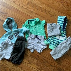 3 Carters Outfits 9 M boys
